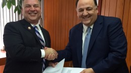 The signing was conducted by ADOT Director, John S. Halikowski (left) and SCT Undersecretary of Infrastructure, Raúl Murrieta Cummings (right).